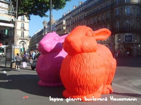 lapins géants boulevard Haussmann